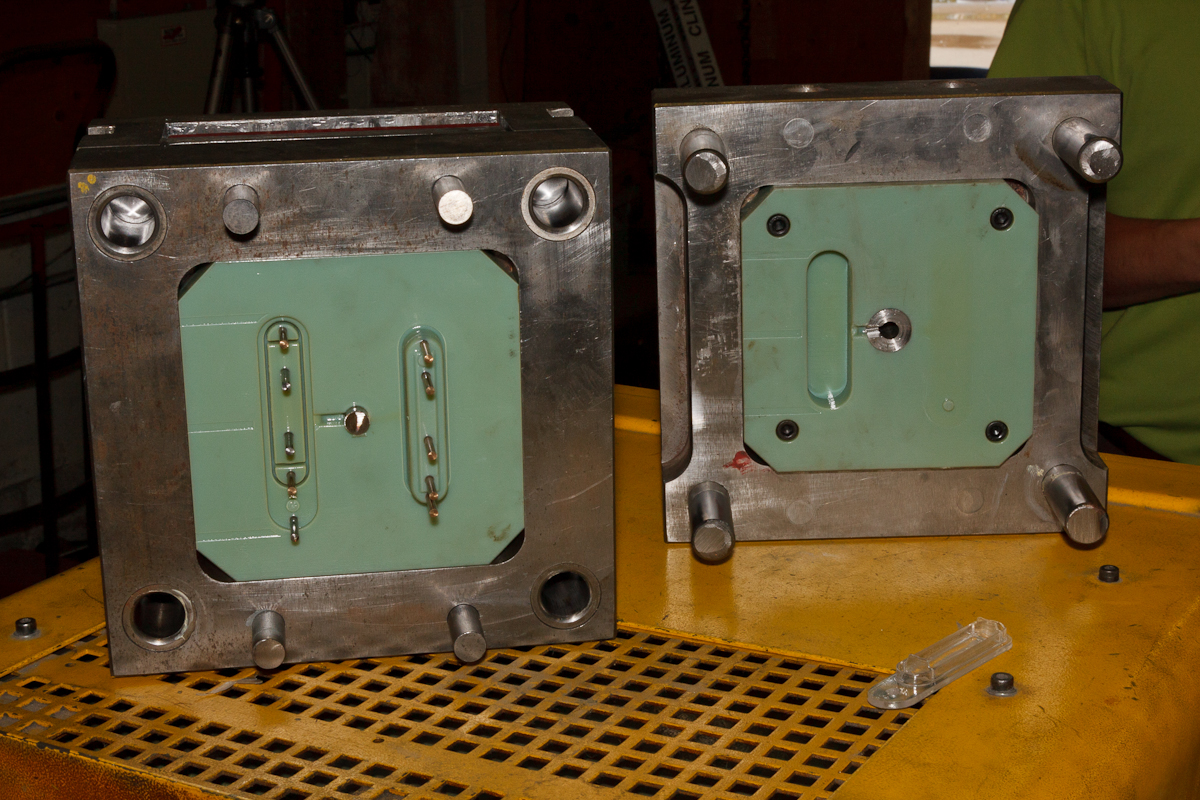 Digital mold in place in the support plates.