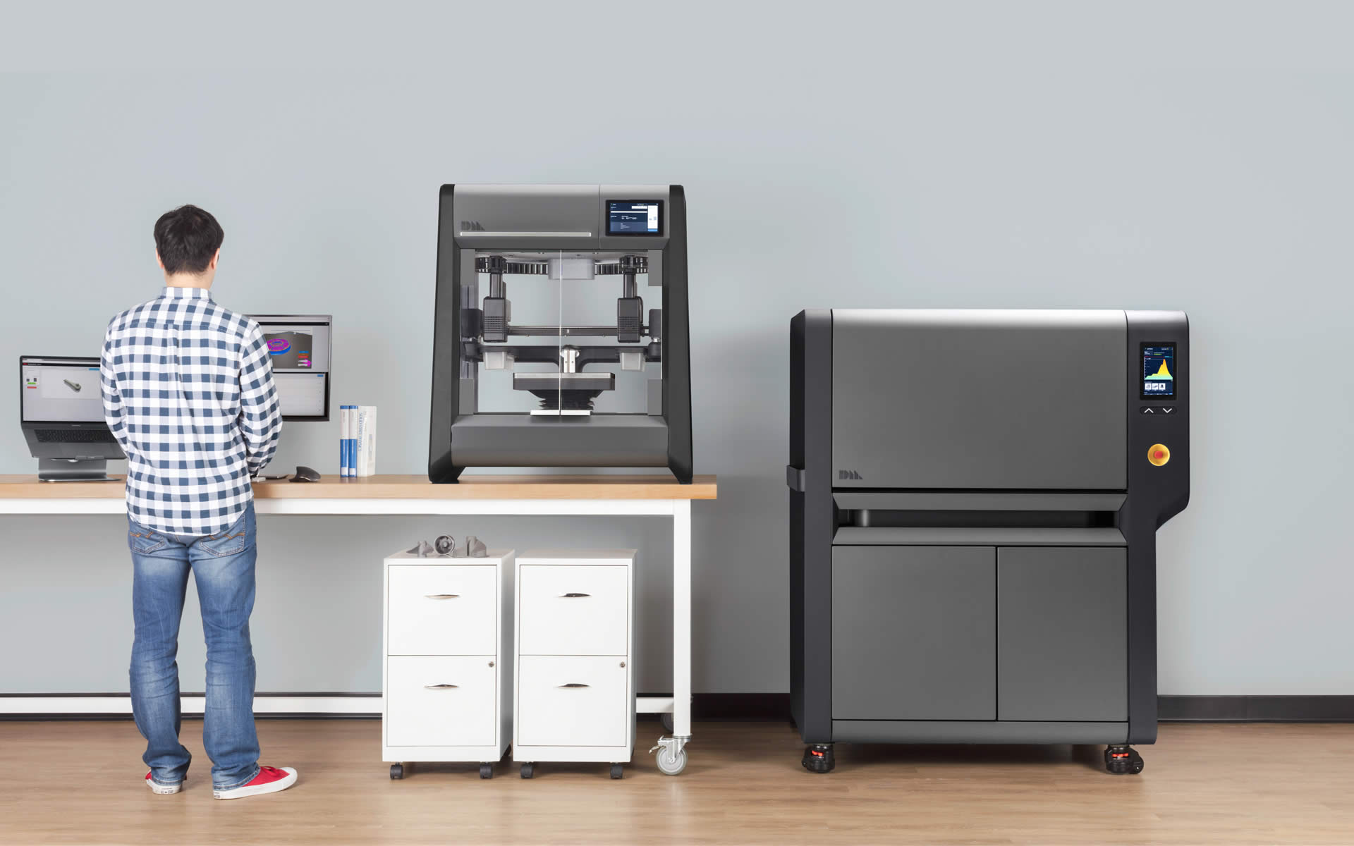 Design Metal Studio System is the world's first affordable, office-friendly metal 3D printing system.